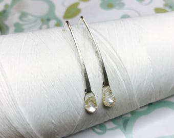 Sterling Silver - Pearl Line Earrings / sterling silver earrings / pearl earrings / minimalist earrings / pearl dangle earrings / modern