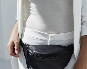 Fanny pack 'Niki' small black silver in vegetable tanned leather