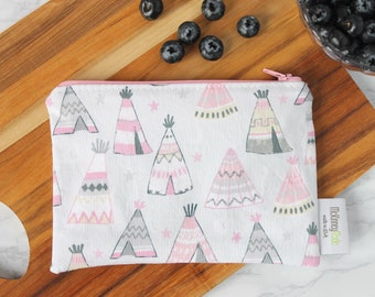 Reusable Sandwich Bag ~ Gifts Under 10 ~ Reusable Lunch Bag ~ Eco Friendly ~ Water Resistant ~ Zipper Pouch in Tee Pees Dove