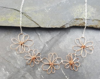 Daisy chain Necklace, flowers
