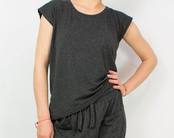 Casual Tee/ Loose Top/ Jersey Top/ Plus Size Top/ Oversize Top/ Loose Tshirt/ Sleeveless Jersey Top/ Loose Blouse/ Casual Top/ Loose Shirt