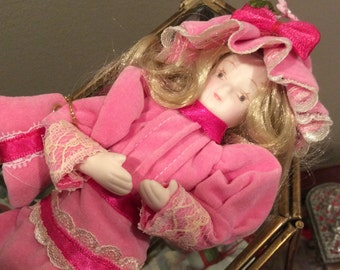 The Danbury Mint 1984 Porcelain Gibson Girl Collector Doll , Mary, Pink Velvet dress and Purse