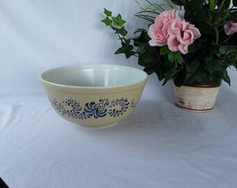 Vintage Pyrex Homestead Blue Mixing Bowl - 403, 2 1/2 quarts