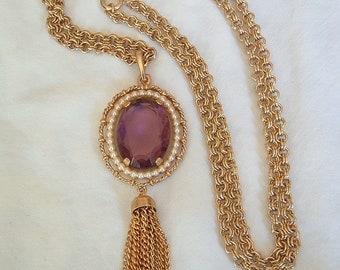Vintage Retro Avon 1972 Purple Pendant Necklace