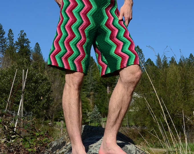 Crochet Shorts Longboard Forest Green on Pink XXL