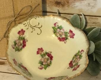 """Vintage Floral 8"""" Porcelain Serving Bowl,Farmhouse Decor,Shabby Chic Decor"""