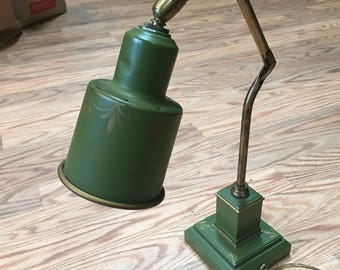 Vintage Antique Brass Tole Painted Lawyer Student Banker Adjustable Desk Lamp