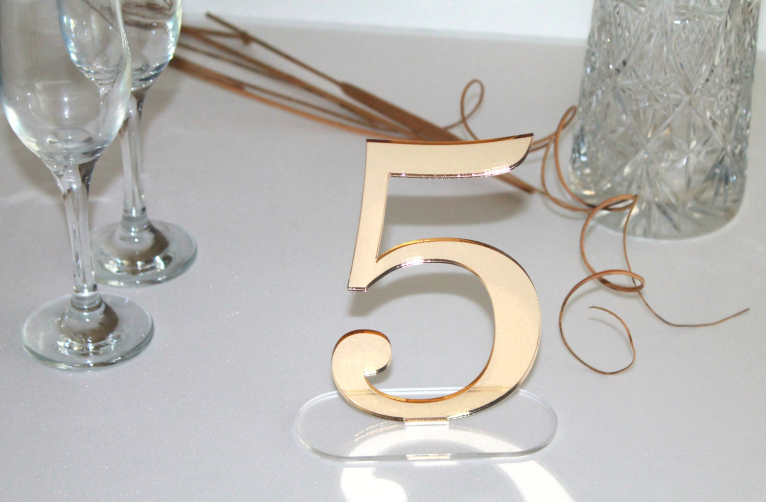Gold mirror table freestanding numbers Wedding centrepiece