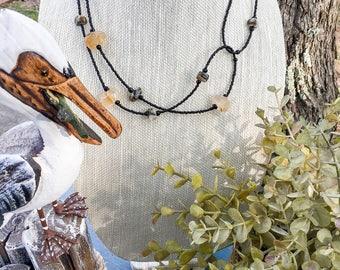 Semi precious multibeaded black and toupe necklace