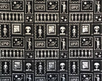 Space Alien Quilt, Alien Quilt, Black and Silver Alien Quilt, UFO Quilt