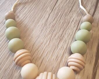 Mama necklace.