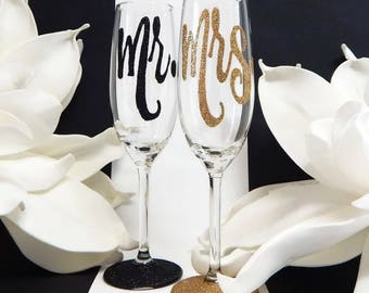 Mr and Mrs Toasting Flutes Mix and Match Set For Wedding Toast Glitter Glass Rio