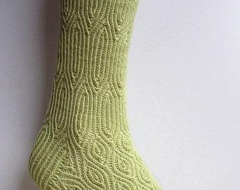 Crème de Noyaux Socks (PDF knitting pattern)