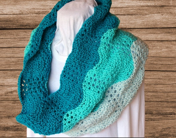 Knitting Scarf Patterns Infinity Scarf : Knit cowl pattern gradient colors scarf knitted
