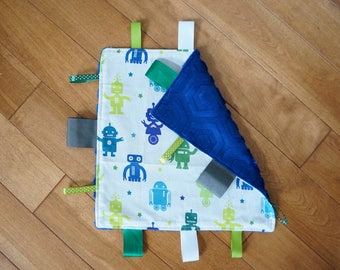 Taggie Blanket; robot theme, robots, navy and green taggie blanket