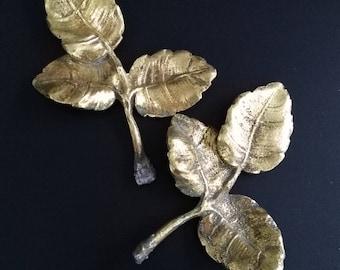 Paire de petites branches feuilles en bronze ornement vintage