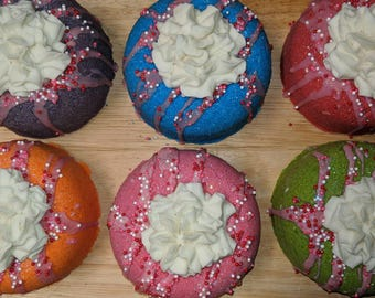 Luxury Frosted Donut Bath Bomb - Choice of Scent/Color