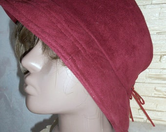 Bordeaux hat of Panama. Hat of panama from velvet. The spring hat of Panama.