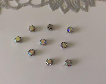 Set of 10 rhinestones set in crital has 3 4 mm tooth