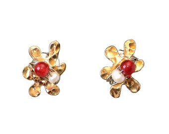 Gold flower stud earrings, small daisy studs, garnet jade studs, white pearl stud, brass jewelry, hammered jewelry, tiny floral post