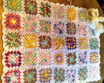 Crochet Baby Blanket, Granny Squares, Handmade Baby Blanket, Baby girl blanket, Baby afghan blanket, Nursery decor.