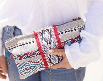Pochette à main  bohème, sac à main hippie chic, pochette tendance, ethnique, sac de soirée, pochette avec anse métallique, cadeau femme