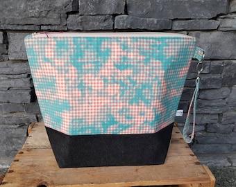 Project Bag | Knitting Bag | Project Bag | Zippered Project Bag | Wedge Bag | Shawl Sweater Knitting Bag | Gingham Checks | Pink & Blue