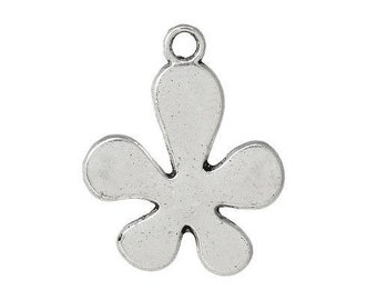 Set of 3 flower (D19) silver color charms