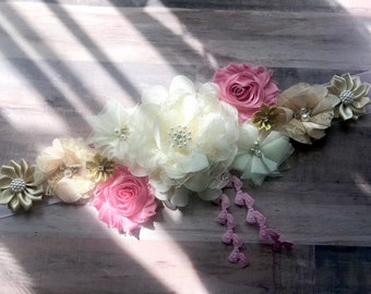 Pink and Gold Maternity Sash Baby Pink and Gold Sash Gender Reveal Party Baby Shower Gift Baby Shower Bridal Flower Girl Sash Belly Sash