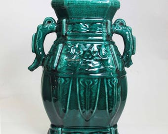 A Chinese Beautiful Green Big Porcelain Binaural Vase turquoise intricate design