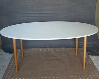 Concrete dining table (Gfrc)