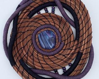 Aiguille de pin violet panier de verre et perles - article 834 par Susan Ashley