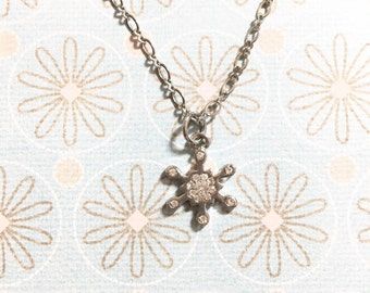 Sparkling Snowflake Necklace, Snowflake Necklace, Christmas Necklace, Birthday Gift, Christmas Gift, Winter Necklace, Gift for her