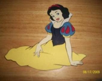 Snow White princess diecut- sitting down