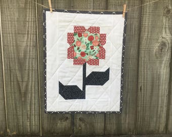 Cottage Blossoms Mini Quilt, Wall Hanging