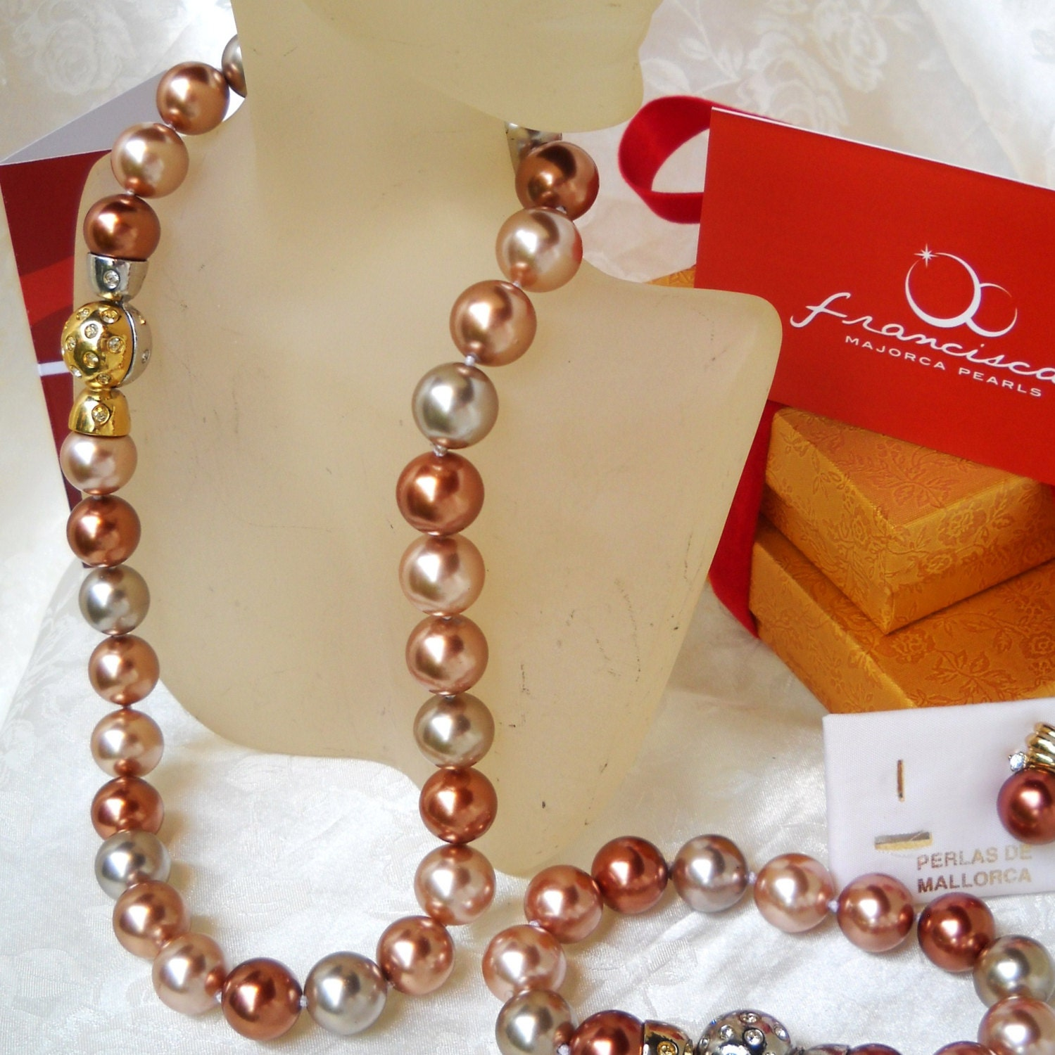 Mallorca Pearl Necklace: Majorca/Mallorca Pearl Necklace Multi-color Single Strand 15mm