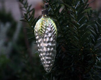Christmas tree pine cone ornament, Glass ornament, tree decoration, vintage, Antique