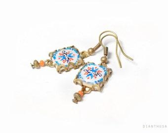 Pendientes flores portuguesas: azul, blanco y naranja. Pendientes de inspiración portuguesa. Azulejos portugueses