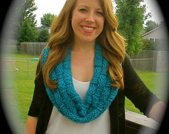 Hand knit basket weave cowl in turquoise, all season cowl, chunky cowl, circle scarf, chunky cowl, bulky knit turquoise infinity scarf