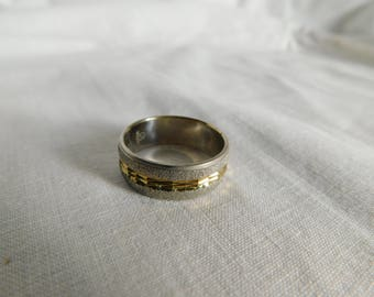 Gold and Silver Tone Ring Band Size 10