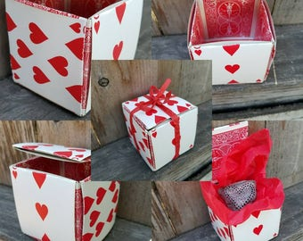 """Hand Painted Beach Rock in Playing Card Gift Box -- 1"""" Red and Black Heart - FREE SHIPPING"""