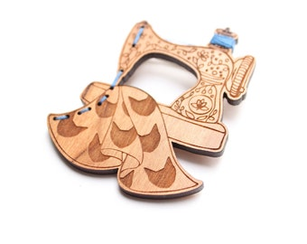 Sewing Machine Brooch cats - CUSTOM thread COLOURS AVAILABLE - Wood laser cut illustration embroidered