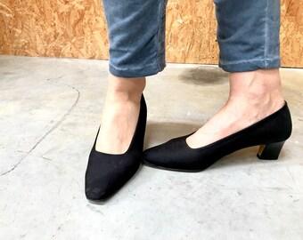 JB Martin vintage pumps / French shoes / low heel / black shoes / black pumps / satin pumps / 1980s