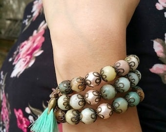 Bracelet triple rangs en amazonite naturelle et pompom turquoise