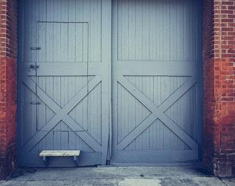 Wood Door Backdrop - rustic white door, red bricks, wedding - Printed Fabric Photography Background G1518