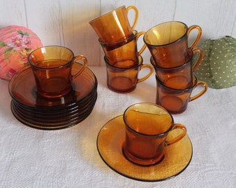 8 cups 8 saucers in amber glass, the 70's. DURALEX. France.