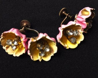 Vintage Rose bud Earrings in Pink!! Rhinestone centers