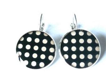 POLKA DOT Lever Back EARRINGS - Back and white - Drop Earrings - Silver - Resin Earrings - Jewelry