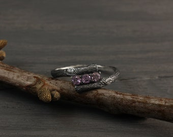 Amethyst branch silver ring, Twig amethyst ring, Amethyst small ring, Silver tree bark ring, Tiny ring, Gift for girlfriend, Gift for Her