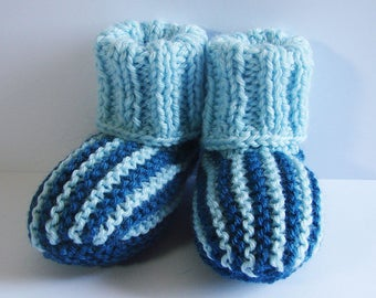 Booties for baby - small scratches - size 0-3 months